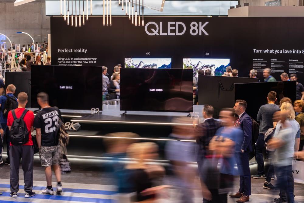 QLED Tv at show